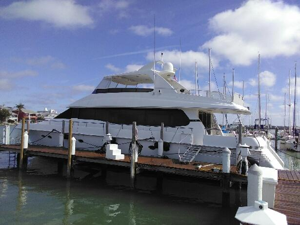clearwater marina yacht - cleaning bottom